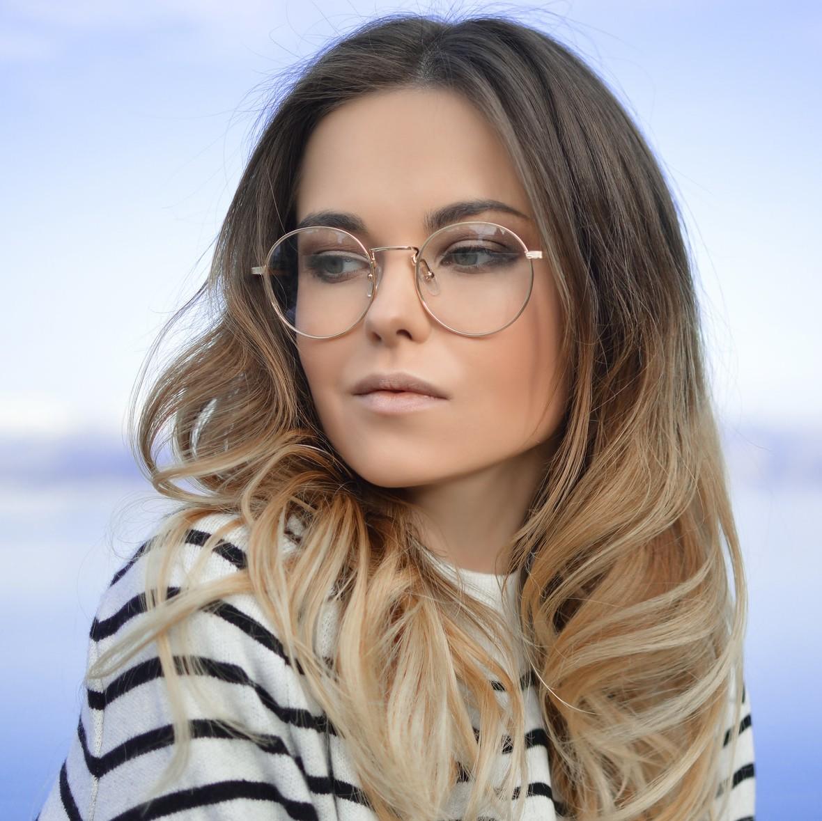 femme-lunette